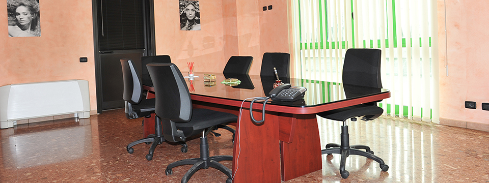 Slide home sala riunione